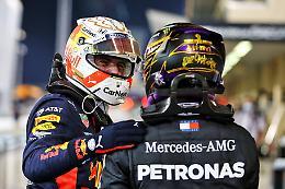 F1: Verstappen illumina Abu Dhabi, Ferrari nel buio