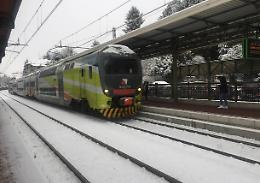 Lunedì 28 dicembre scatta il piano neve: meno treni sui binari