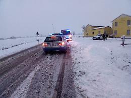 Nevicata abbondante, grande difficoltà sulle strade di città e territorio