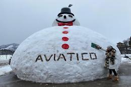 Ad Aviatico il pupazzo di neve gigante