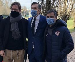 Cremonese, arriva Coccolo accompagnato da Francesco Totti