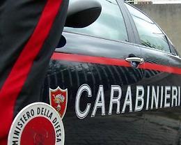 Auto fugge all'alt dei carabinieri, dopo l'inseguimento tre denunciati