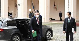 Alle 12 giura il governo di Mario Draghi: otto tecnici nei ruoli chiave, 15 i politici