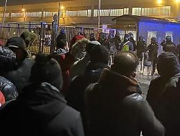 Scontri alla Tnt-Fedex, arresti e perquisizioni a Piacenza