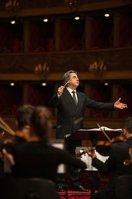 """""""Dedicato a Bergamo"""", domani concerto online con Muti"""