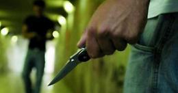 Tre coltellate dal ladro che gli aveva rubato la bici
