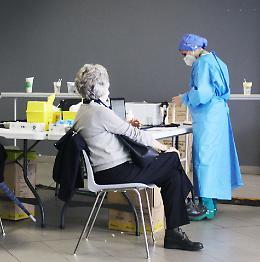 Vaccini: mezzo milione di dosi, il traguardo è vicino