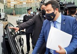 Open Arms, Salvini rinviato a giudizio: 'Vado a processo a testa alta'