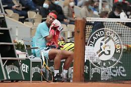 Nadal batte Sinner in 3 set e vola ai quarti del Roland Garros