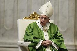"""Papa """"Povertà non frutto del destino ma conseguenza di egoismo"""""""
