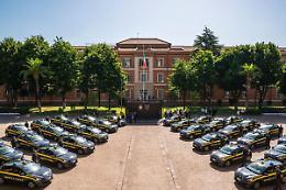 Peugeot consegna 30 e-208 100% elettriche alla Guardia di Finanza
