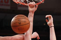 Bucks sul trono Nba dopo 50 anni, Phoenix si arrende 4-2