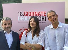 """A Venezia """"Senza fine"""" su Ornella Vanoni di Elisa Fuksas"""
