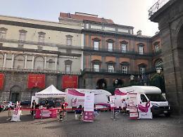 """A Napoli la """"Carovana della prevenzione"""" contro il tumore al seno"""