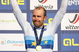 Colbrelli nella leggenda, sua la Parigi-Roubaix 2021