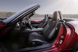 Mazda MX-5, giu' il tetto, su il volume con Bose
