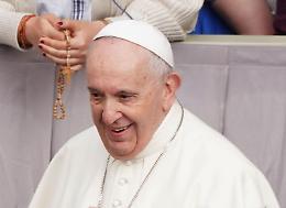 """Papa """"Basta atti di violenza, è sconfitta per tutti"""""""