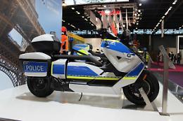 Il nuovo veicolo ecologico Bmw CE04 ql servizio delle autorita'
