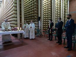 Festa del Lavoro, la messa celebrata dal vescovo Napolioni