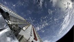 Dodici luci nel cielo: la costellazione satellitare di Elon Musk