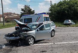 Scontro allo svincolo della Paullese, auto distrutte