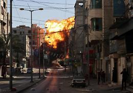 Gaza, dieci morti in attacco Israele: otto bambini e due donne