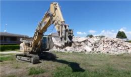 Pozzaglio, demolito l'edificio delle ex scuole