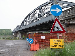 Ponte sul Po, domani altri disagi al traffico