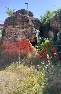 Bastione dimenticato: «Interventi alle mura»