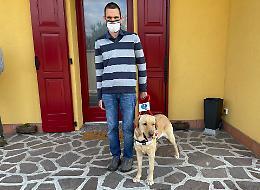 """Ichnusa, il cane guida di Roberto: """"E' bravissima"""""""