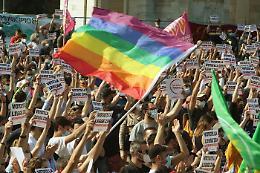 Coppia gay aggredita a Palermo da una baby gang
