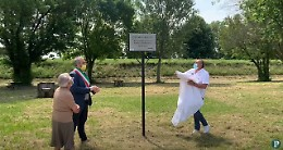 Parco di Po, ricollocata la targa dedicata ad Oscar Gandini