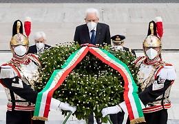 Mattarella: 'Grati a chi ha sacrificato la vita per l'Italia'