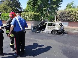 Auto in fiamme, paura lungo la Bassa per Casalmaggiore