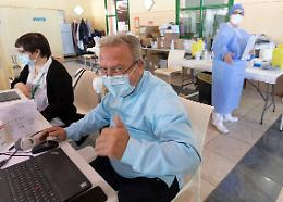 Dentista e ora vaccinatore: «Un servizio che dà gioia»