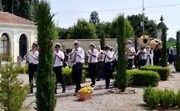 La musica della banda al funerale del mugnaio
