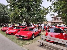 A Malagnino invasione di Ferrari