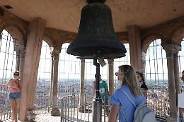 In cima al Torrazzo il buio si accende