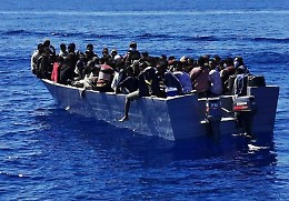 Si ribalta barcone di migranti: 7 morti al largo di Lampedusa