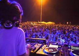 Lombardia, il  Consiglio regionale chiede rapida riapertura delle discoteche