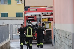 Incendio in una casa Aler, due persone in ospedale
