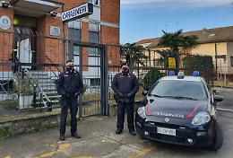Rubò abiti in un negozio sportivo, 29enne arrestata dai carabinieri