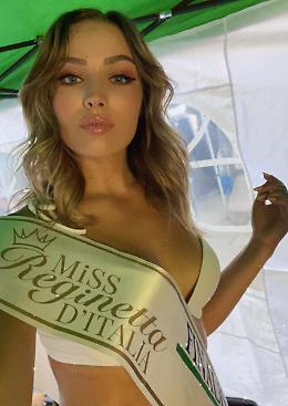 La diciassettenne Angelica Ferrari alle finali di 'Miss Reginetta d'Italia'