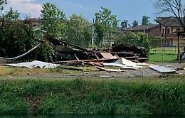 Violento temporale, danneggiati tetti e murature