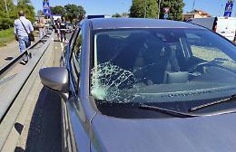 Pedone travolto da un'auto in via Milano