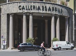 Galleria 25 Aprile: «Affitti alti per le tasse, così chiudono i negozi»
