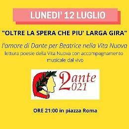 In piazza Roma serata con Dante