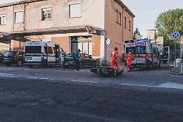 Investito in scooter, 35enne ferito alla testa