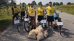 Pedalata ecologica lungo la Postumia: la ciclabile ripulita dai rifiuti