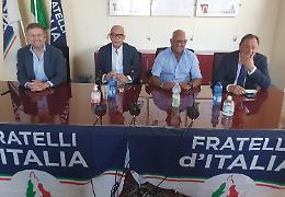 Fratelli d'Italia si rafforza, la Lega perde i pezzi